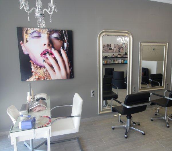 Reforma integral de salón de peluquería y estética