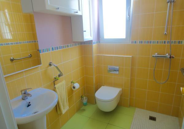Adaptación de baño para minusválidos